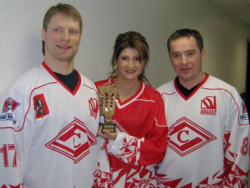 Люба Шепилова и Спартак-Чемпион! Фото с сайта www.shepilova.ru