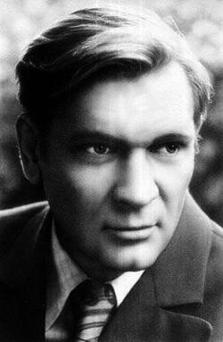 Народный артист РСФСР Пётр Вельяминов умер 15 июня 2009 года
