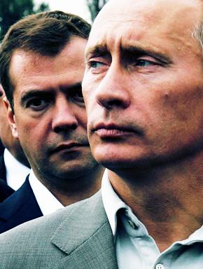 Владимир Путин и Дмитрий Медведев. Фото REUTERS