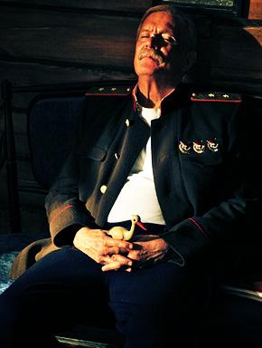 """Комдив Котов (Никита Михалков). Кадр из фильма """"Утомлённые солнцем 2: Предстояние"""" с сайта www.trite.ru"""