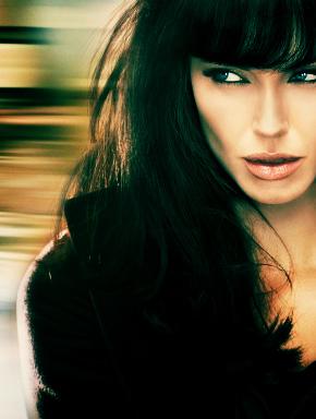 """Анджелина Джоли. Постер к фильму """"Солт"""" (SALT)"""