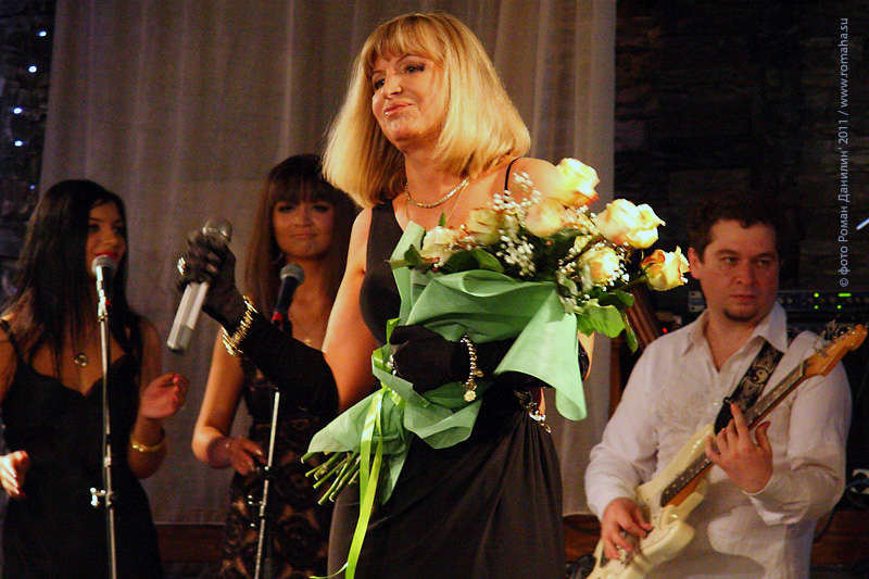 Катерина Голицына. Сольный концерт-съёмка в Шансон клубе 20 мая 2011 года. Фото Роман Данилин' 2011 / Www.romaha.su