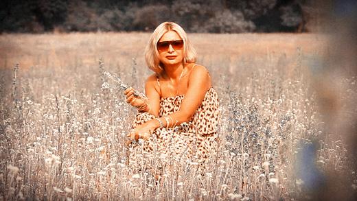 "Катерина Голицына, кадр из видеоклипа ""Никому не говори"". © фото Роман Данилин' 2012 / www.RomanDanilin.ru"
