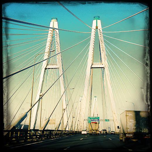 Съёмки в Питере. Вантовый мост. © фото Роман Данилин' 2012 / www.RomanDanilin.ru