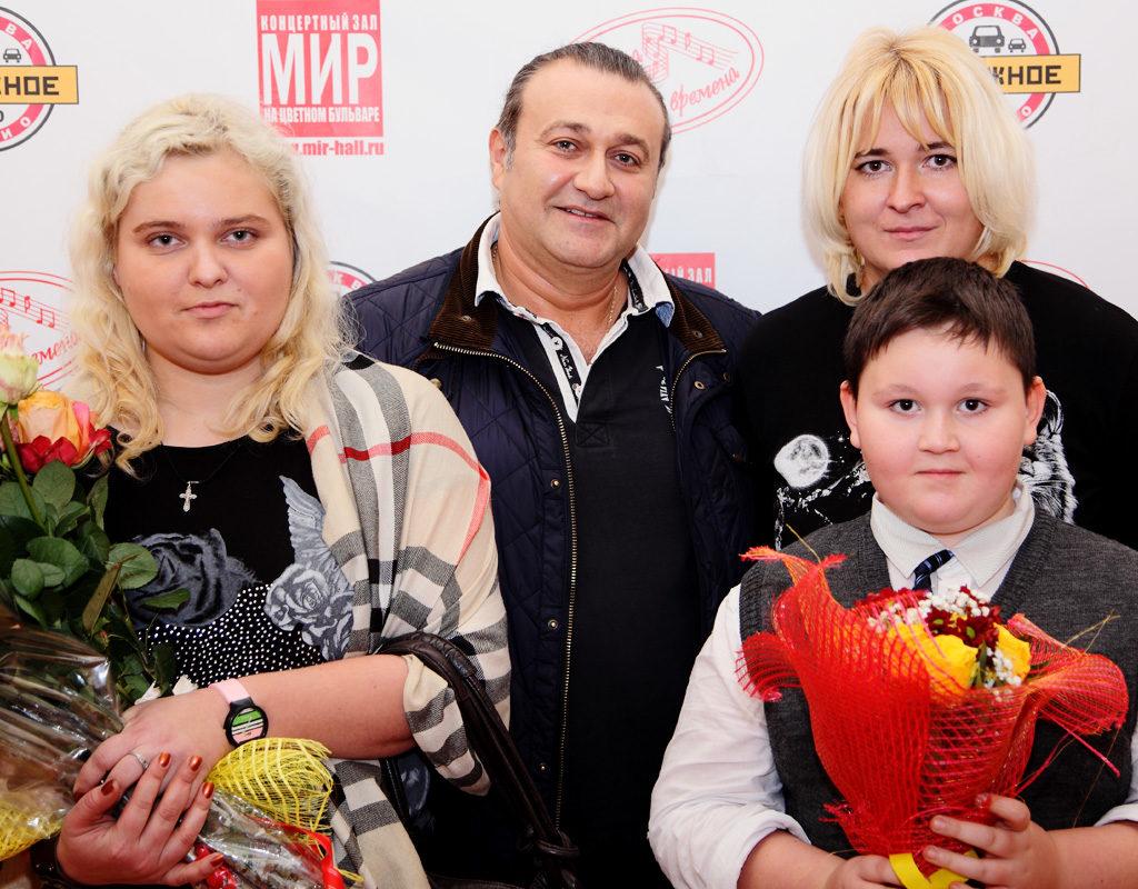 Валерий Курас с поклонниками